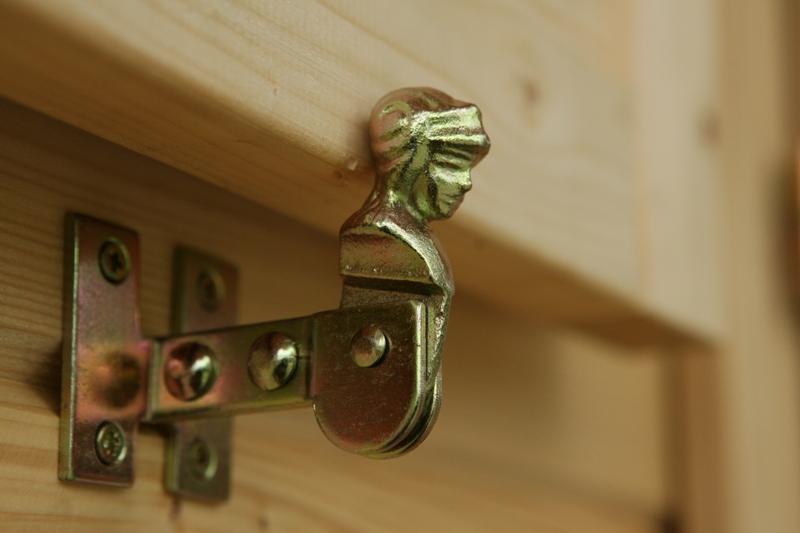 holz fensterl den sams gartenhaus shop. Black Bedroom Furniture Sets. Home Design Ideas
