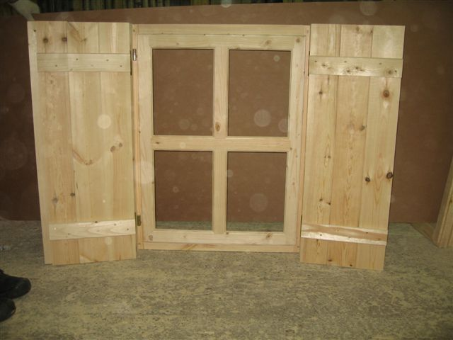 Massivholz fensterl den sams gartenhaus shop - Fensterladen mit lamellen selber bauen ...
